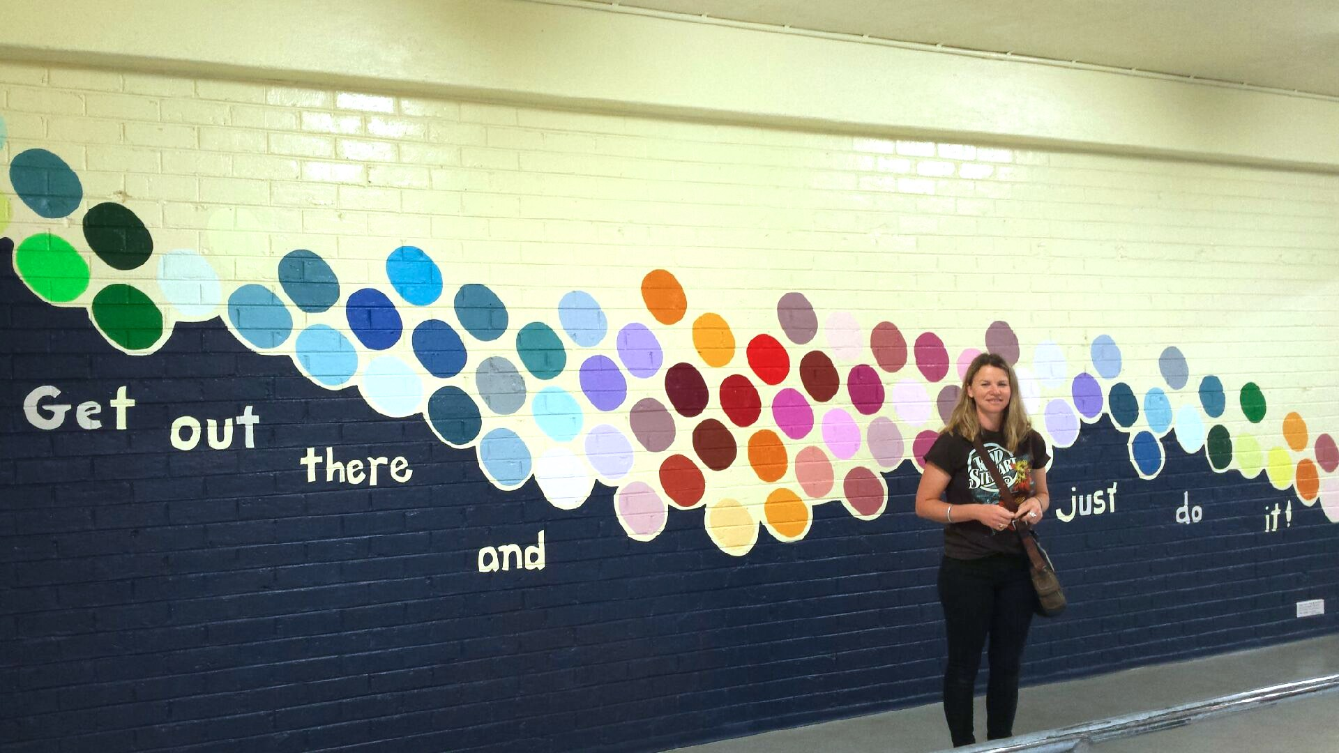 "The finished ""Balloon"" mural and 2015 class."